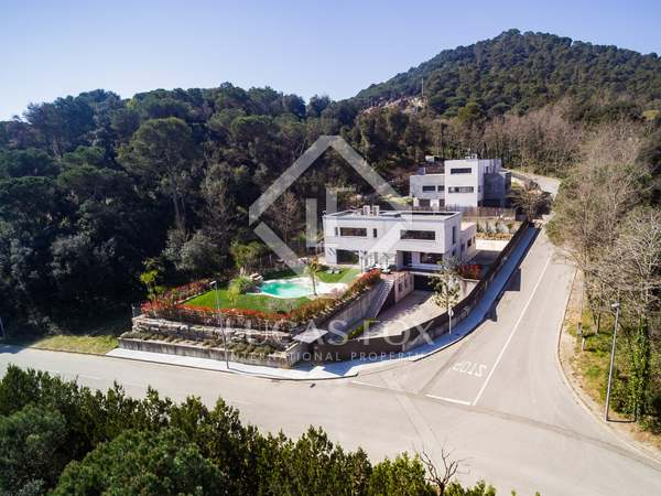 558m² House / Villa for sale in Vallromanes, Maresme
