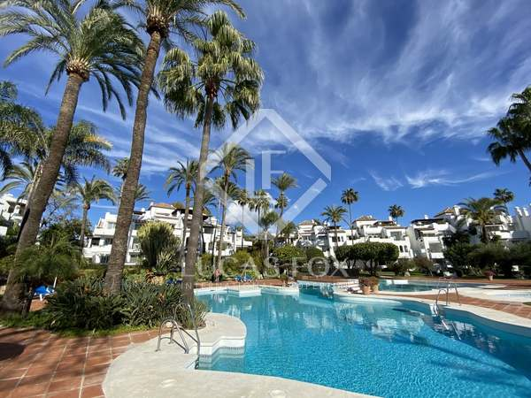122m² Apartment with 32m² terrace for sale in Estepona