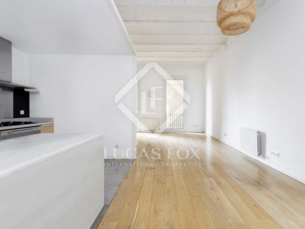 145m² Apartment with 23m² terrace for rent in Eixample Right