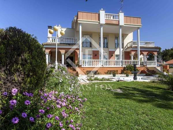 Дом / Вилла 726m², 81m² террасa на продажу в Ла Элиана