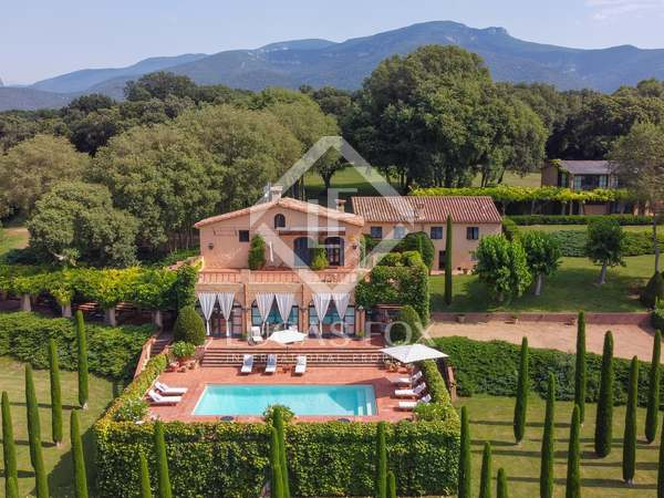 740m² Country house for sale in La Garrotxa, Girona