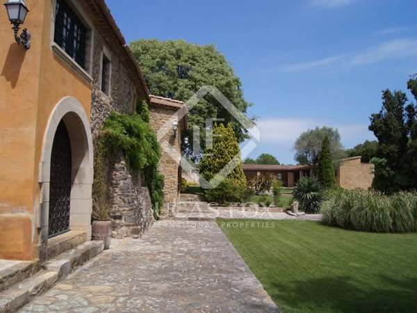 Girona rustic property to buy near La Bisbal