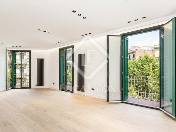 122m² Apartment with 25m² terrace for sale in Eixample Left