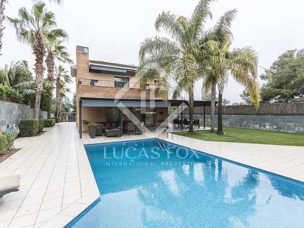 Maison / Villa de 545m² a vendre à Vilanova i la Geltrú