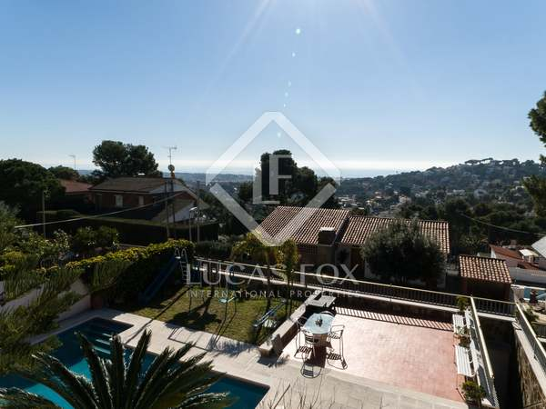 150m² House / Villa for sale in Montemar, Barcelona