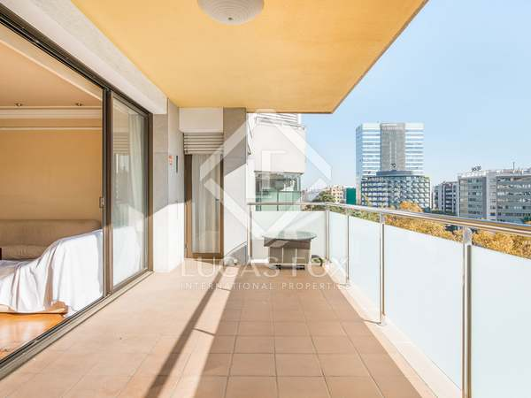 194m² Apartment with 17m² terrace for sale in Turó Park