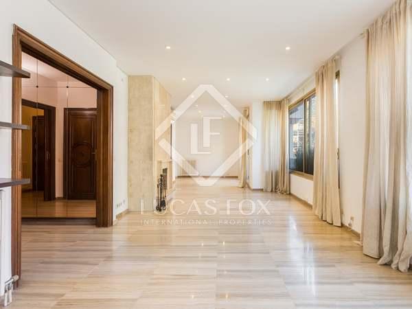 Piso de 126m² con terraza en venta en Tres Torres, Barcelona