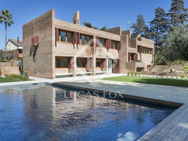 Casa de 493m² con 1.200m² de jardín en alquiler en Sant Just