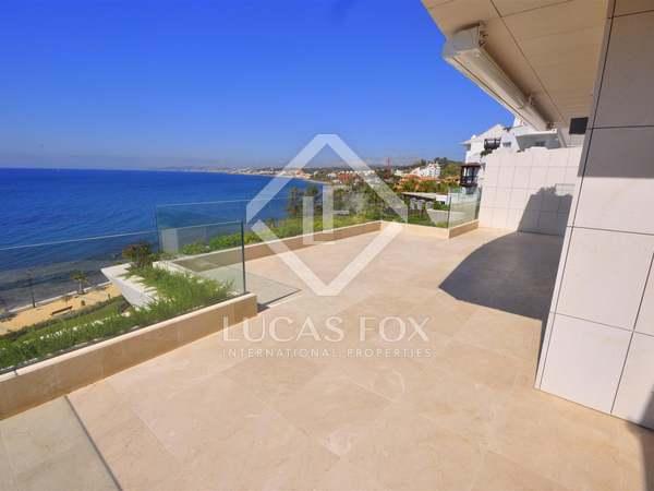 2-bedroom beachfront apartment for sale in Estepona