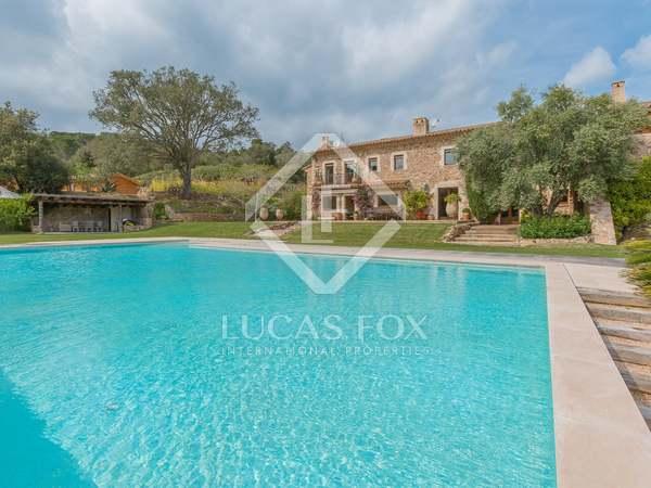 Maison / Villa de 2,000m² a vendre à Baix Empordà, Gérone