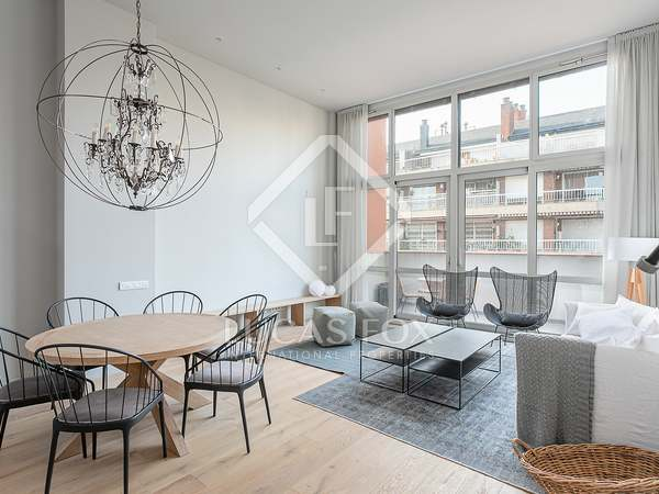 105 m² apartment with 22 m² terrace for sale in Eixample Left