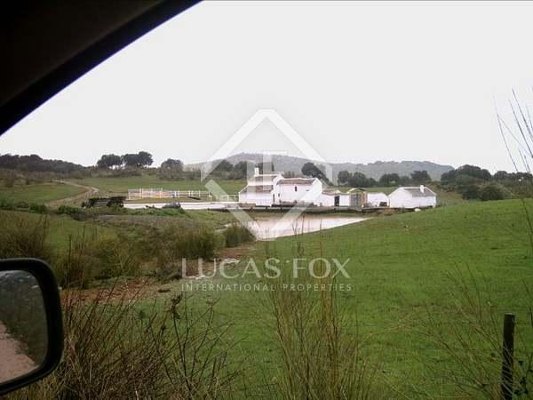 Cortijo en venta entre Málaga y Granada, terreno de 115 ha
