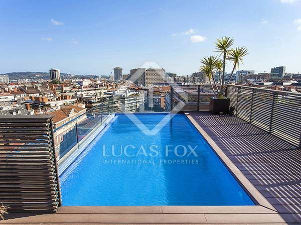 Fantastic penthouse with private pool to buy near Turó Parc