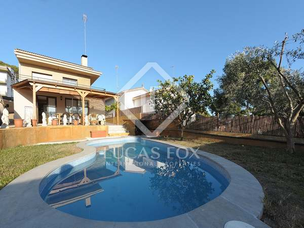 137m² House / Villa with 20m² terrace for rent in Montemar