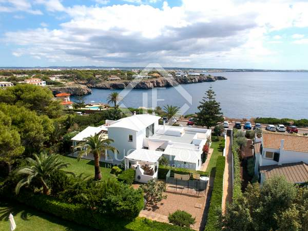 311m² House / Villa with 45m² terrace for sale in Ciudadela