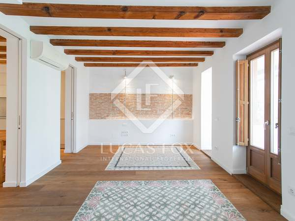 123m² Apartment with 10m² terrace for rent in El Raval