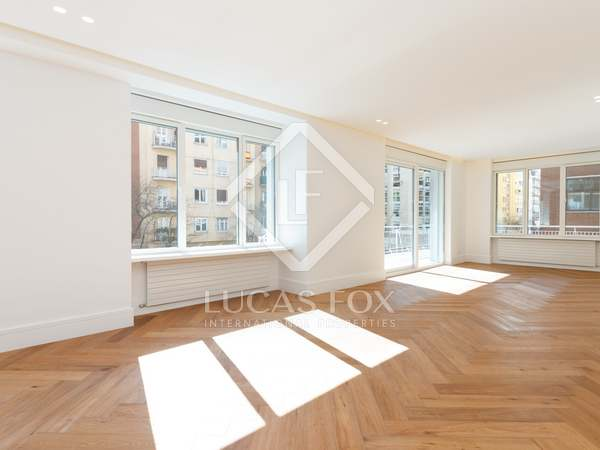 295 m² apartment for sale in Goya, Madrid