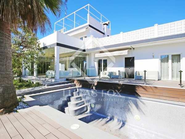 Casa / Villa de 200m² con 1,065m² de jardín en venta en Nueva Andalucía