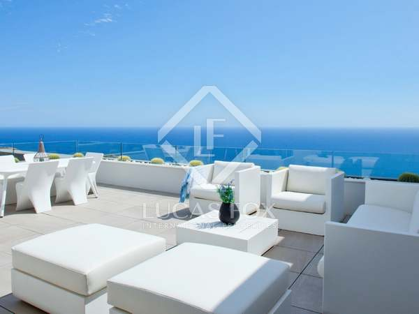 246m² Apartment with 40m² terrace for sale in Alicante ciudad