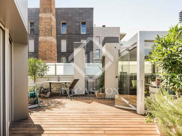 49m² penthouse with 113m² terrace for sale in Eixample Left