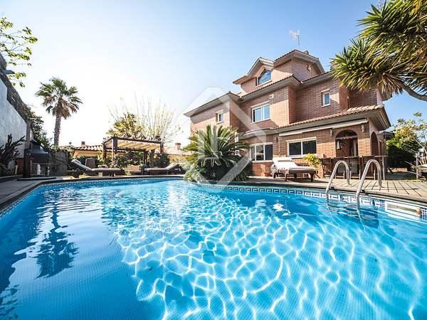 Huis / Villa van 404m² te koop in Calafell, Tarragona