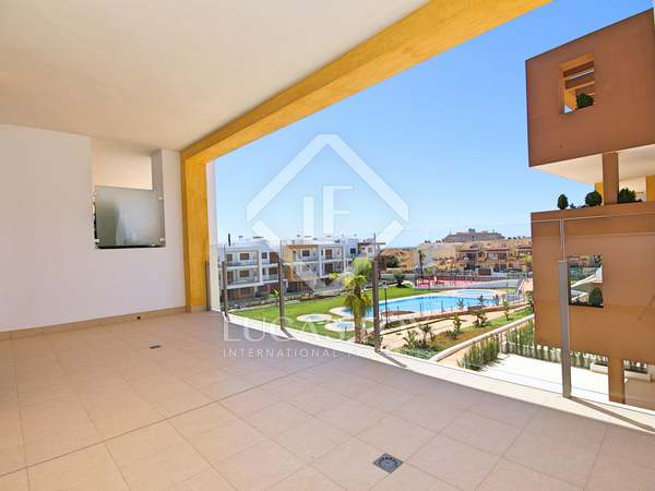 93m² Apartment with 17m² terrace for sale in Playa San Juan