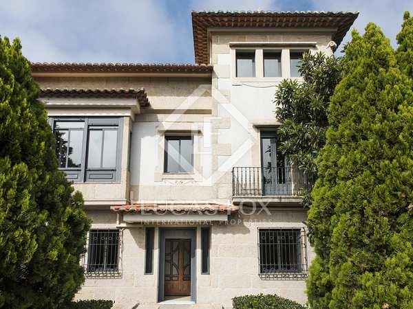 420m² House / Villa for rent in Vigo, Galicia