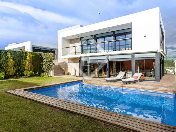 350 m² house with a garden for sale in Sagunto