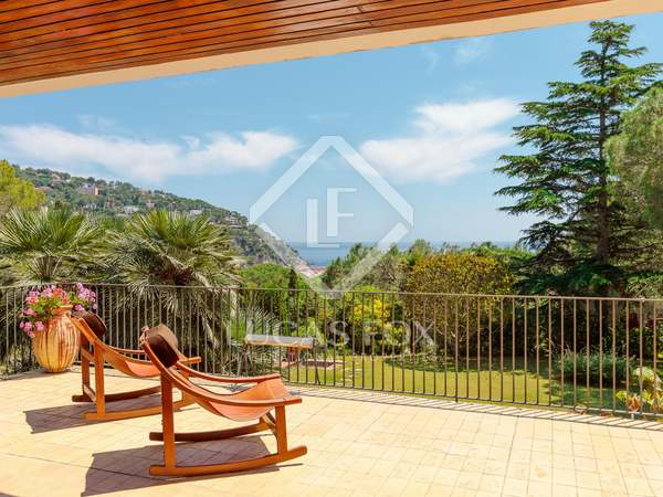 400 m² villa for sale in Llafranc