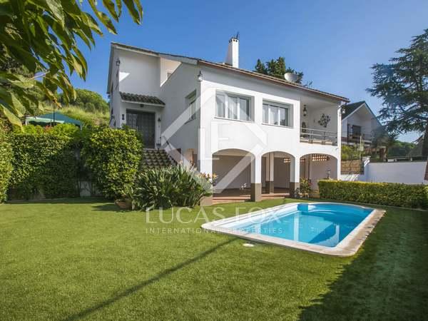 Huis / Villa van 254m² te koop in Mataro, Maresme