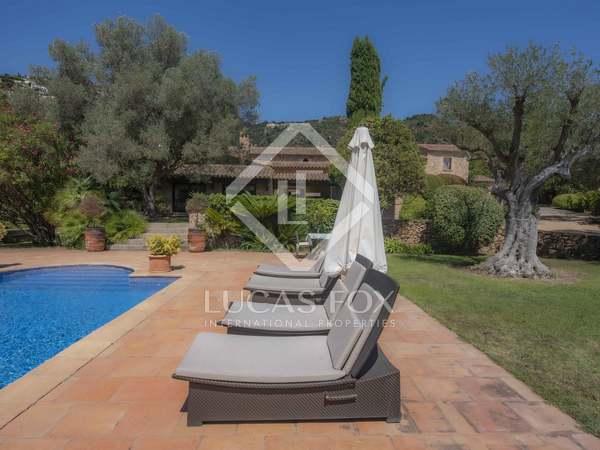 Masía de 763m² con 1,000m² de jardín en venta en Platja d'Aro
