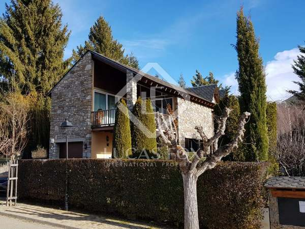170m² Country house for sale in La Cerdanya, Spain