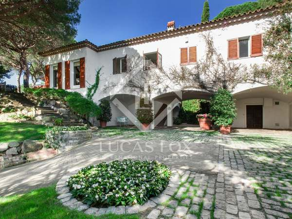 Amplia villa unifamiliar en venta en Premià de Dalt, Maresme