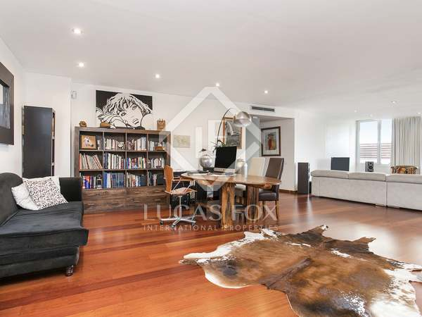160 m² loft with 40 m² terrace for rent in Poblenou