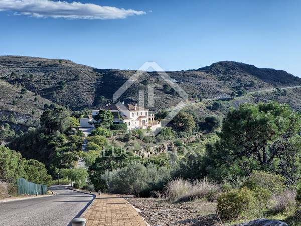 1,303m² Hus/Villa med 129m² terrass till salu i Benahavís