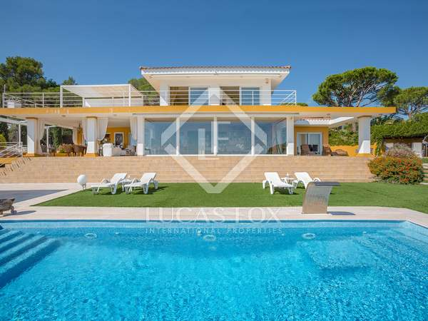 5-bedroom villa with garden to buy in Sant Antoni de Calonge