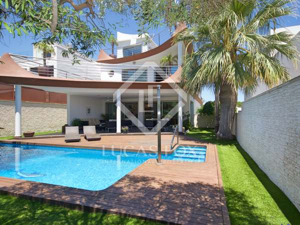 611m² House / Villa for sale in Playa San Juan, Alicante
