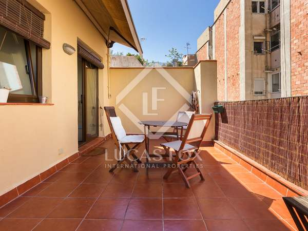 55 m² penthouse with terraces for sale in Gracia