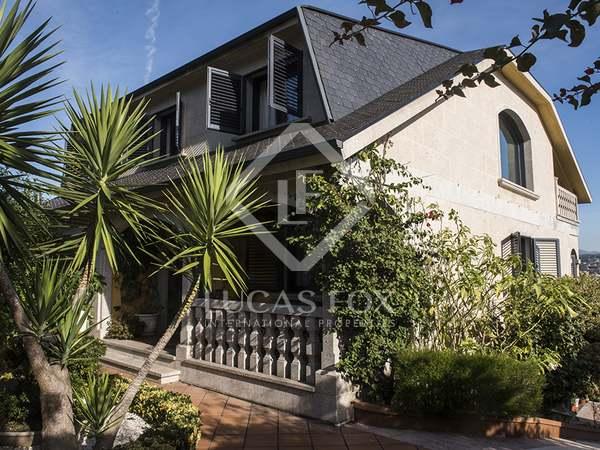 Huis / Villa van 421m² te koop in Pontevedra, Galicia