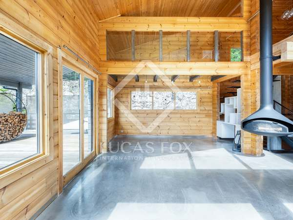 261m² House / Villa with 300m² garden for sale in La Massana