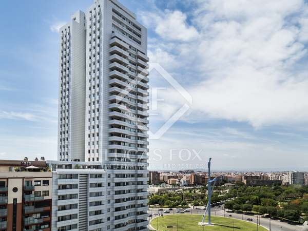 2-bedroom penthouse for sale in modern area of Valencia city
