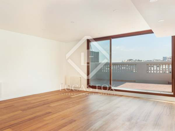109 m² penthouse with 66 m² terrace for sale, Eixample Right