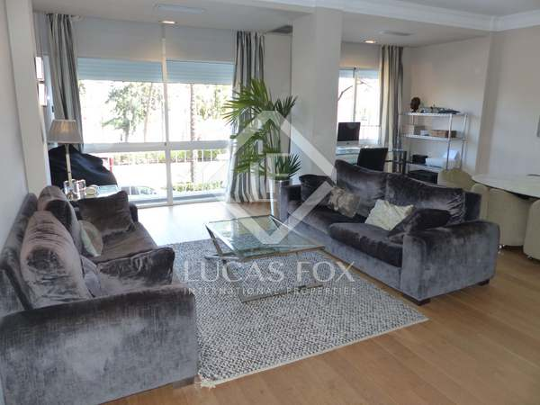 165m² Apartment with 13m² terrace for rent in Gran Vía