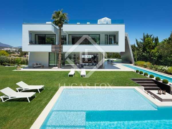 Huis / Villa van 692m² te koop met 474m² terras in Nueva Andalucía