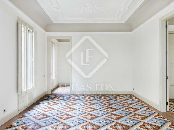 Fantastic 3-bedroom apartment for rent in Barcelona Old Town