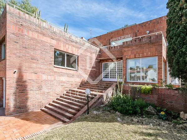 184m² House / Villa for sale in Vallpineda, Barcelona