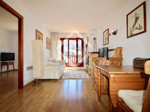 Apartment with terrace for sale in Grandvalira Ski area