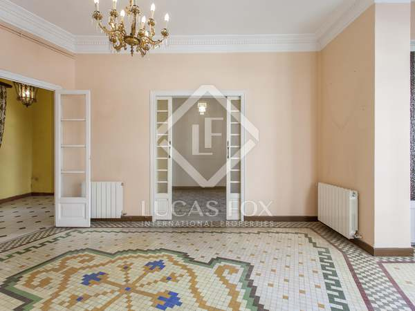 Elegant principal apartment for sale in Ruzafa, Valencia