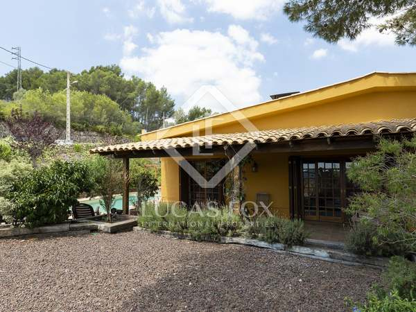 300 m² villa for sale in Olivella, Sitges