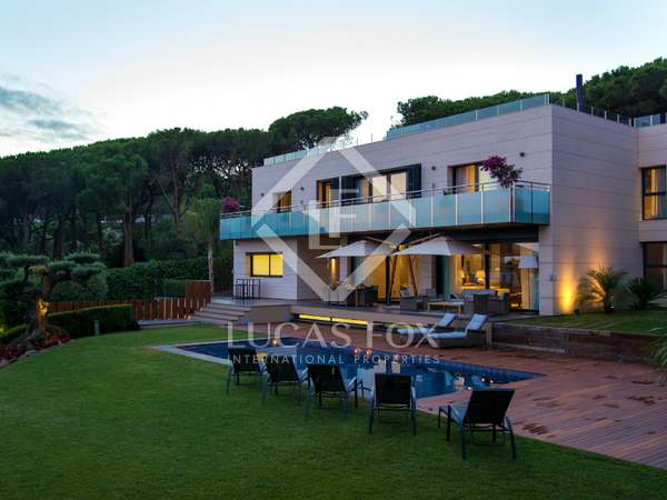 Villa de design en vente au nord de la côte de Barcelone